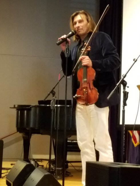 Marek Lesczcynski Violinist